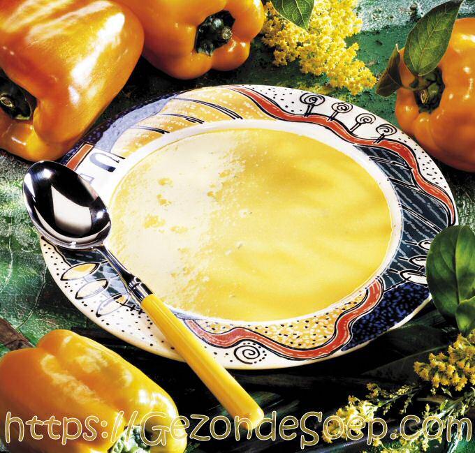 Gele paprikasoep